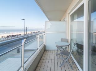 Gezellig en instapklaar 1 slaapkamer appartement met ruim terras en prachtig frontaal zeezicht! De schuiframen tot op de grond, zorgen voor maximaal l