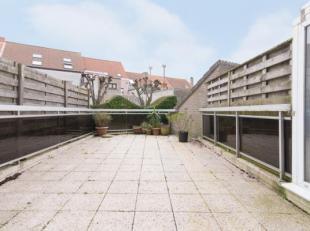Gelijkvloers 1-slaapkamer appartement met groot terras in het centrum van Middelkerke, op wandelafstand van de Zeedijk, Casino en de winkels. Indeling