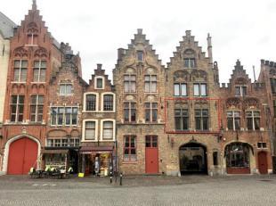 Gezellig appartement te huur op uitstekende locatie in centrum Brugge op het Jan Van Eyckplein met 2 slaapkamers met prachtig uitzicht op de Spiegelre