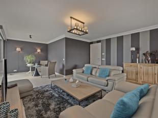 Dit recente (2012) en volledig afgewerkte appartement te koop beschikt over 2 slaapkamers en 3 zonneterrassen. Het is gelegen in een rustige, groene b