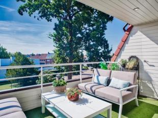 Dakappartement met hoge afwerkingsgraad (145m²) met 3 slaapkamers of 2 en bureelruimte te koop gelegen op de hoek van de residentie Green Garden