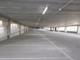 Op zoek naar een mooie lange termijn investering zonder zorgen? Deze overdekte autostaanplaatsen in het station van Blankenberge worden verkocht onder