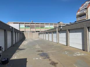 Ruime garagebox gelegen in de Kerkstraat  35-37 (Villa Nova) op het gelijkvloers <br /> - Afmetingen: hoogte: 2 m, breedte: 2,82 m en diepte: 5,13 m <