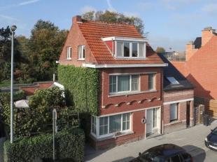 Instapklare, klassevolle woning met 3 slaapkamers en een gezellige stadstuin zonder inkijk, gunstig gelegen te Berlaar.<br /> Deze woning biedt een ru