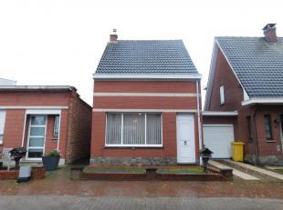 Rustig gelegen charmante woning gelegen in Kessel Dorp.Het gelijkvloers bestaat uit een inkomhal met trap naar het 1ste verdiep en toegang tot de keld