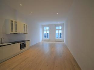 Between Place du Sablon and Grand Place of Brussels: newly renovated studio with bright living space and equipped kitchen and access to a nice terrace