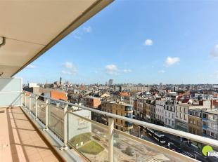 Op 't Zuid te Antwerpen in de Brederodestraat, vinden we dit aangenaam appartement met twee slaapkamers én terras. Het openbaar vervoer (bus, t