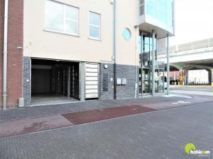 Op de hoek van de Kleine Steenweg en de Boomsesteenweg in Wilrijk, vinden we deze 2 afgesloten garageboxen terug. Momenteel is garagebox 1 nog te huur