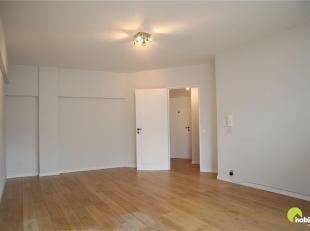 Charmant 1 slaapkamer appartement in wijk Zurenborg, op 100m van de centrale as én bekendste straat van Berchem, de Cogels-osylei! <br /> Alle