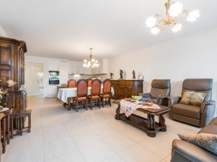 Het luxueus appartement is gelegen vlakbij centrum van Ardooie, openbaar vervoer, scholen, bakker, slagerij, warenhuizen, ... .Dit appartement heeft v