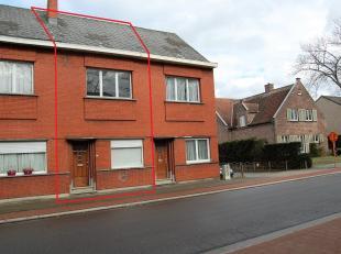 Deze praktische woning is rustig gelegen in de stadsrand van Mechelen. Het centrum van Mechelen is gelegen op ±2,5km en dus makkelijk bereikbaa