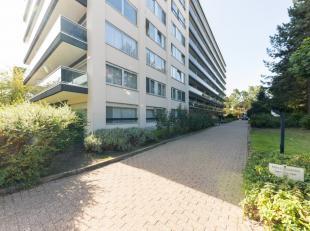 Cet appartement spacieux et bien entretenu est idéalement situé dans le centre de Malines. En voiture, vous pourrez vous rendre facileme