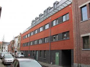 Cet appartement récent a tous les points dintérêt de la vie contemporaine où la durabilité, lintemporalité, l