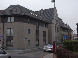 Beschrijving Aangenaam appartement, rustig gelegen in het centrum van Mechelen. Indeling: woonkamer, keuken, 1 slaapkamer, badkamer, toilet, kelder. H