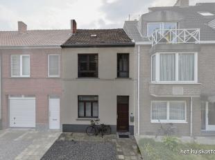 Rijwoning ( 115 m² ) met 2 slaapkamers en ruime tuin in het centrum van Hasselt op een perceel van 387 m².