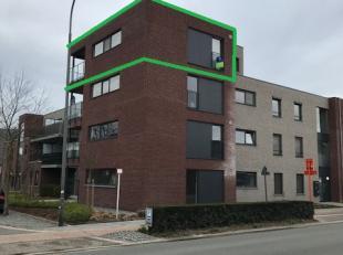 Mooi, modern appartement met 2 slaapkamers, een kelderberging en afgesloten garagebox in het centrum van Lommel.<br /> <br /> Het appartement beschikt