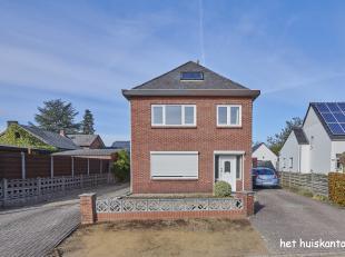 Rustig gelegen woning ( 155 m² ) met 3 slaapkamers en een garage op een ruim perceel van 1263 m².