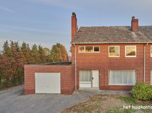 Rustig gelegen, te renoveren woning ( 190 m² )  met 4 slaapkamers en een garage op een mooi perceel van 1168 m².