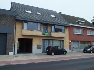 Mooi appartement met één slaapkamer en autostaanplaats nabij het centrum van Lommel.