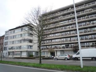 MECHELEN Zwartzustersvest 27 verd 5:APP. met zicht op Dijle. Lift. Hal, badk., liv., terras, kkn., 1slpk. Prov. euro120/mnd. EPC: 208 kWh/m²/j. V
