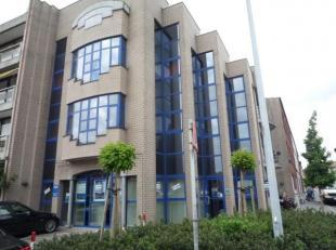 MECHELEN Maurits Sabbestraat 58 GLVL: Mooi KANTOOR. Mog. 2 parkings aan euro100euro/mnd/park.Nabij E19 Mechelen-Noord. Zeer geschikt voor Verzekeringe