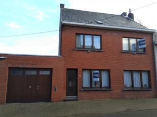 Deze ruime 4-slaapkamer woning is gelegen in het centrum van Haaltert en is geschikt voor een groot of samengesteld gezin.De woning begrijpt volgende