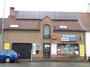 Op de verbindingsweg tussen Aalst en Geraardsbergen is deze mooie woning met goed draaiende handelszaak gelegen. De woning is binnenin met kwalitatiev