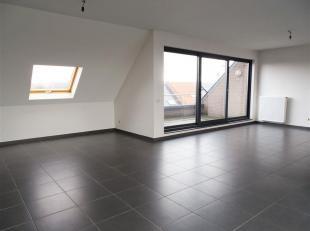 Penthouse op een boogscheut van het centrum van Mechelen<br /> U komt deze ruime penthouse binnen in de inkomhal waarlangs u toegang krijgt tot de zee