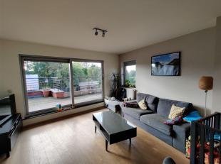 Modern duplexappartement met 2 slaapkamers en garage dichtbij het centrum van Mechelen<br /> Dit appartement bevindt zich in een rustige straat op de
