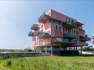 Hedendaags nieuwbouwappartement van ca 170m² met terras van 30m² (met ZO-oriëntatie en open verzichten), bevattende : ruime inkomhal me