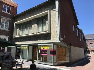 Handelsruimte met etalage in het historisch centrum van Maaseik<br /> Troeven<br /> ·Centrale ligging<br /> ·Meer dan voldoende parkeerm