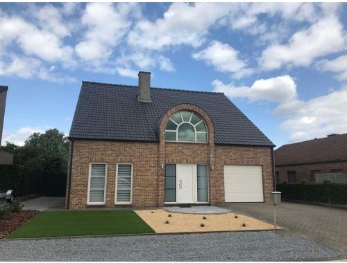 Maison à louer à Neeroeteren, € 1.100
