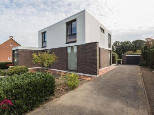 Goed onderhouden vrijstaande woning in moderne architectuur van 1966 op ruim perceel<br /> Troeven<br /> ·Centrale ligging aan verbindingsweg N