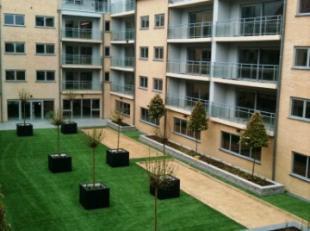 3de verdieping: recent verhuurd residentieel appartement met Service Plus- formule - 1 ruime slaapkamer. Living met terras, dieptezicht op aangelegde