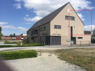 in BAAL: modern, verzorgd appt (2009), ruim (120m2); duplex (V1+V2); + een GROOT TERRAS (5X3 ! ), zuid-oost gericht; zeer rustige ligging; landelijk u