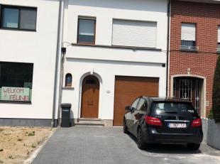 verrassend ruime, lichtrijke en actuele woning; voortuin=eigen dubbeleparking; ruime living, annex open top-keuken; moderne top-badkamer; 3 slpk; nutt