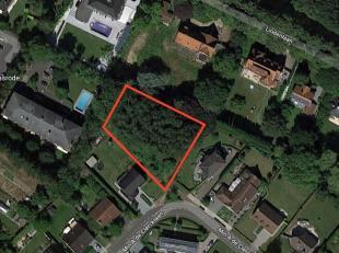 Prachtig perceel bouwgrond op een residentiële locatie.<br /> Met een oppervlakte van net geen 2000m² en een ideale regelmatige vorm is dit