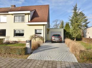 KOEKOEKWEG 15 2620 HEMIKSEM: <br /> Ruime eengezinswoning met garage en grote tuin met tal van mogelijkheden. Zeer rustig gelegen vlakbij invalswegen,