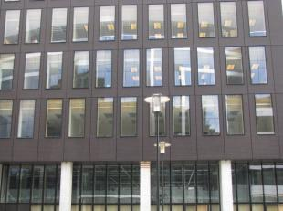 """Troeven: <br /> - Centrum van EU <br /> - Standingvol gebouw <br /> - Grote kantooroppervlakten <br />  <br /> Bereikbaarheid: <br /> """"Loi 227"""""""