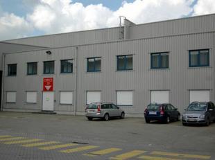 """Moderne burelen en magazijn, zeer gunstige ligging in de haven van Gent """"Kennedy Industriepark"""", Desteldonk (9042). In de nabijheid van Gent Centrum."""