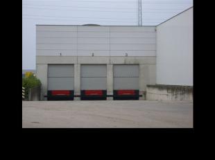 Specificaties : Hoogte : 7 m Laadkades : 6 Elektrische rolluiken : 6 Betonconstructie : ja Gas voorziening : ja Gas verwarming : ja Brandblusinstallat
