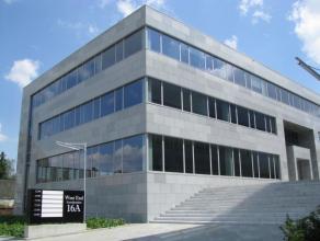 """De drie gebouwen van het park """"Westend"""" liggen op een toplocatie langs de westelijke ringweg van Brussel en dichtbij de snelweg E40. Energie-effici&eu"""