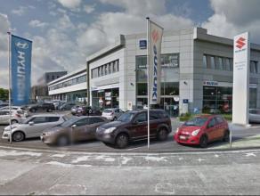 De kantoren zijn in 3 units opsplitsbaar met 3 afzonderlijke ingangen. <br />  Het gebouw werd in 2003 volledig gerenoveerd met materialen van hoge kw