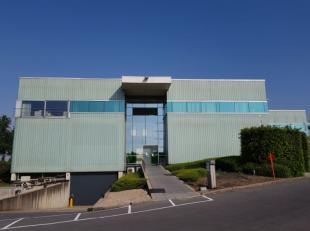 Vlotte aansluiting op de A19. <br /> <br />  Instapklare kantoren units vanaf 600m² incl. technische en sociale ruimtes. <br /> <br />  De ma