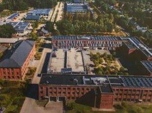 Het bedrijventerrein is gelegen aan de Sint-Jobsesteenweg te Brasschaat. De bedrijven die Campus Coppens reeds gevonden hebben als locatie, halen als