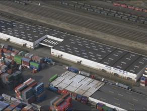 Op 1 km van A12-Antwerpen-Bergen-op-Zoom. Achter het gebouw is er een mogelijkheid voor een directe spoorverbinding. <br /> <br />  Deze site is gel
