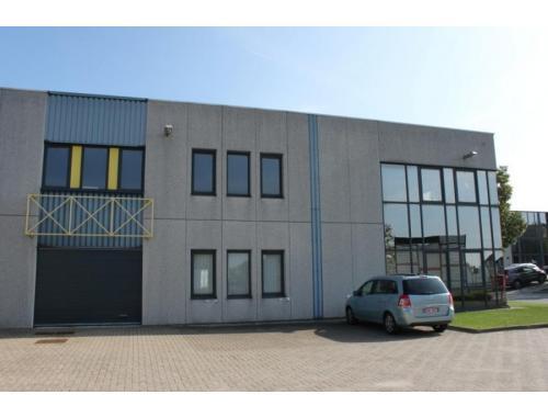 Bâtiment d'entreprise à louer à Zellik, € 5.731