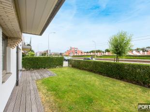 Gelijkvloers appartement te koop te Nieuwpoort in residentie Villa Renoir omvattende een ruime inkomhall, afzonderlijk toilet, grote leefruimte met op