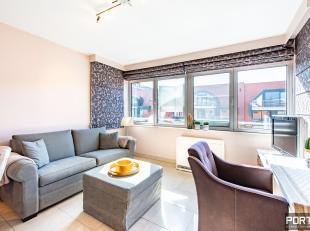 Instapklaar zongericht appartement te koop te Nieuwpoort. Dit appartement is gelegen op de 5de verdieping van residentie Gauguin te Nieuwpoort-Bad. Om