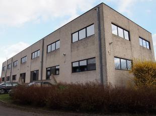 Kantoorgebouw te huur gelegen langsheen Tervuursesteenweg tussen Leuven en Bertem. Het gebouw ligt op 5 min. rijafstand van de oprit E314, UZ Leuven G